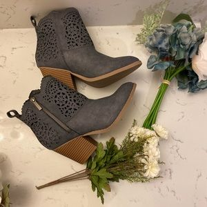 Adorable blue booties NWOT